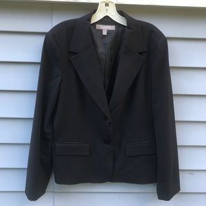 Black single breasted blazer.
